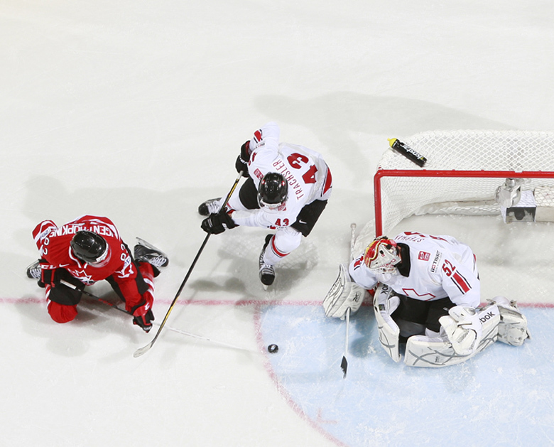 http://photo.iihf.com/gallery/cache/2012-wm-272/27-can-sui/_81t3074_1024_thumb.jpg